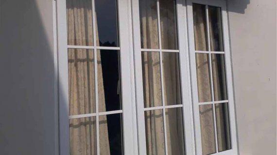 Jendela UPVC Swing Warna Putih kemang utara Mampang Prapatan Jakarta