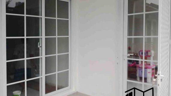 Pintu UPVC Sliding Putih Cluster Emerald Terrace Pondok Aren Tangerang